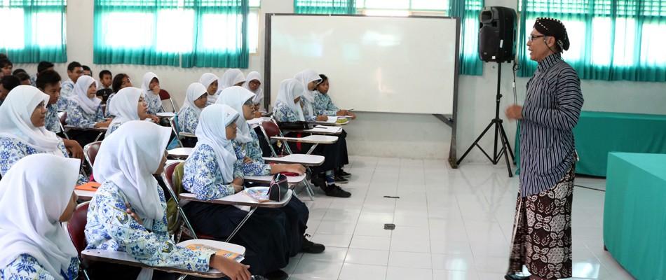 Implementasi Pendidikan Sekolah Berbasis Budaya