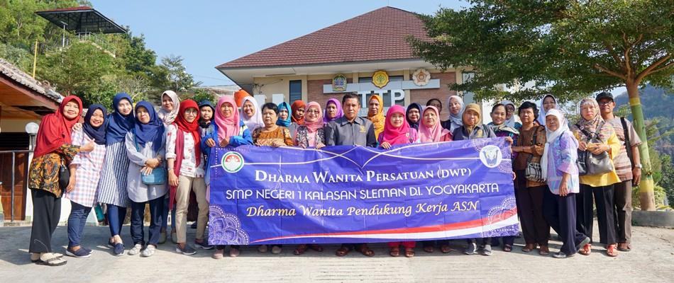 Kegiatan Perdana Dharmawanita Persatuan SMP Negeri 1 Kalasan