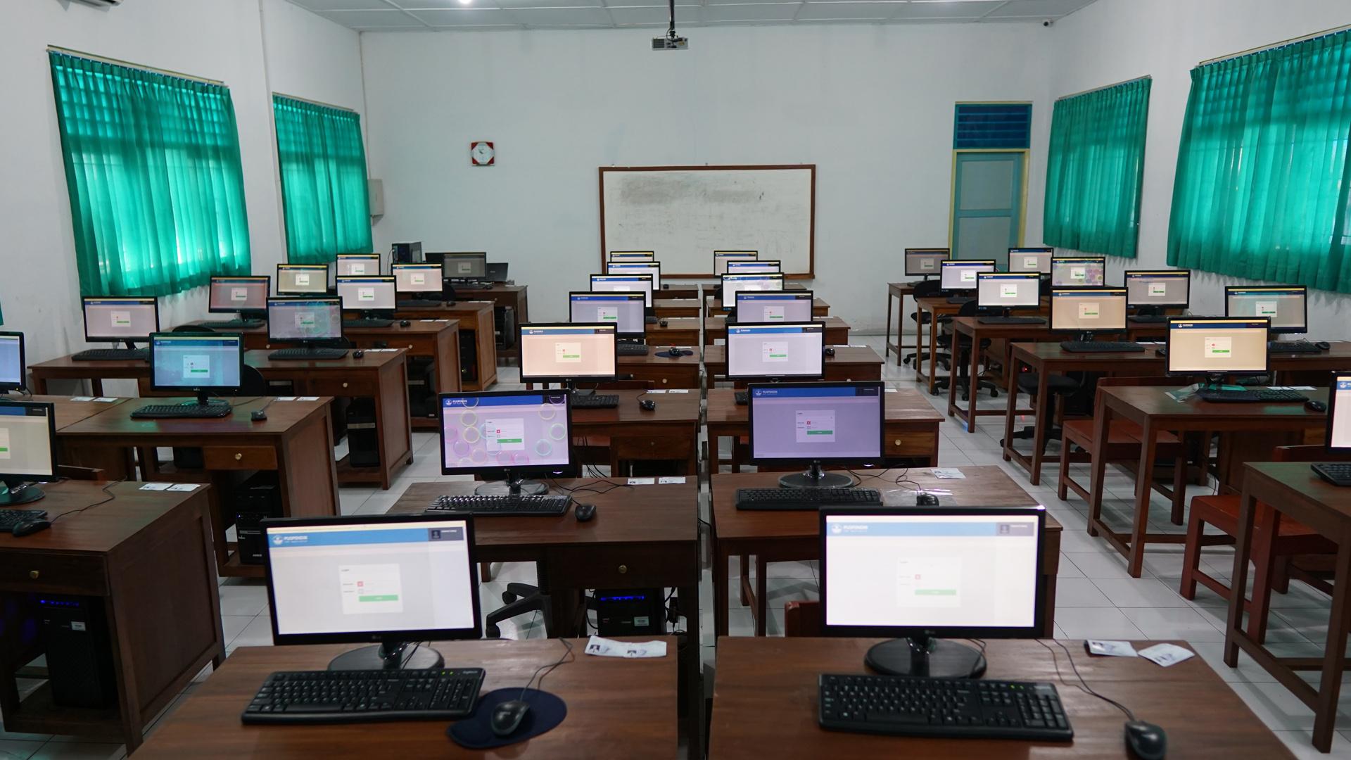 Laboratorium TIK SMP Negeri 1 Kalasan